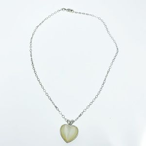 Vintage Avon heart necklace